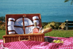 A Picnic at the beach with Wine